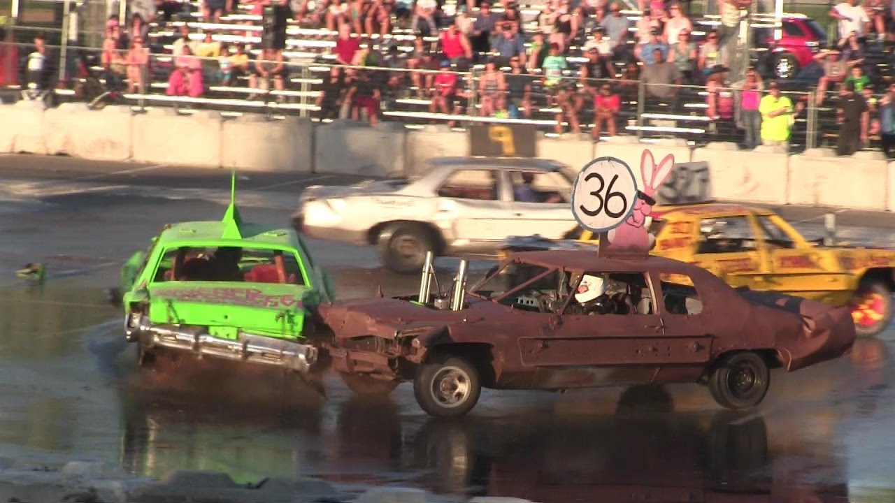 Demolition derby-hard hits,fire and smoke