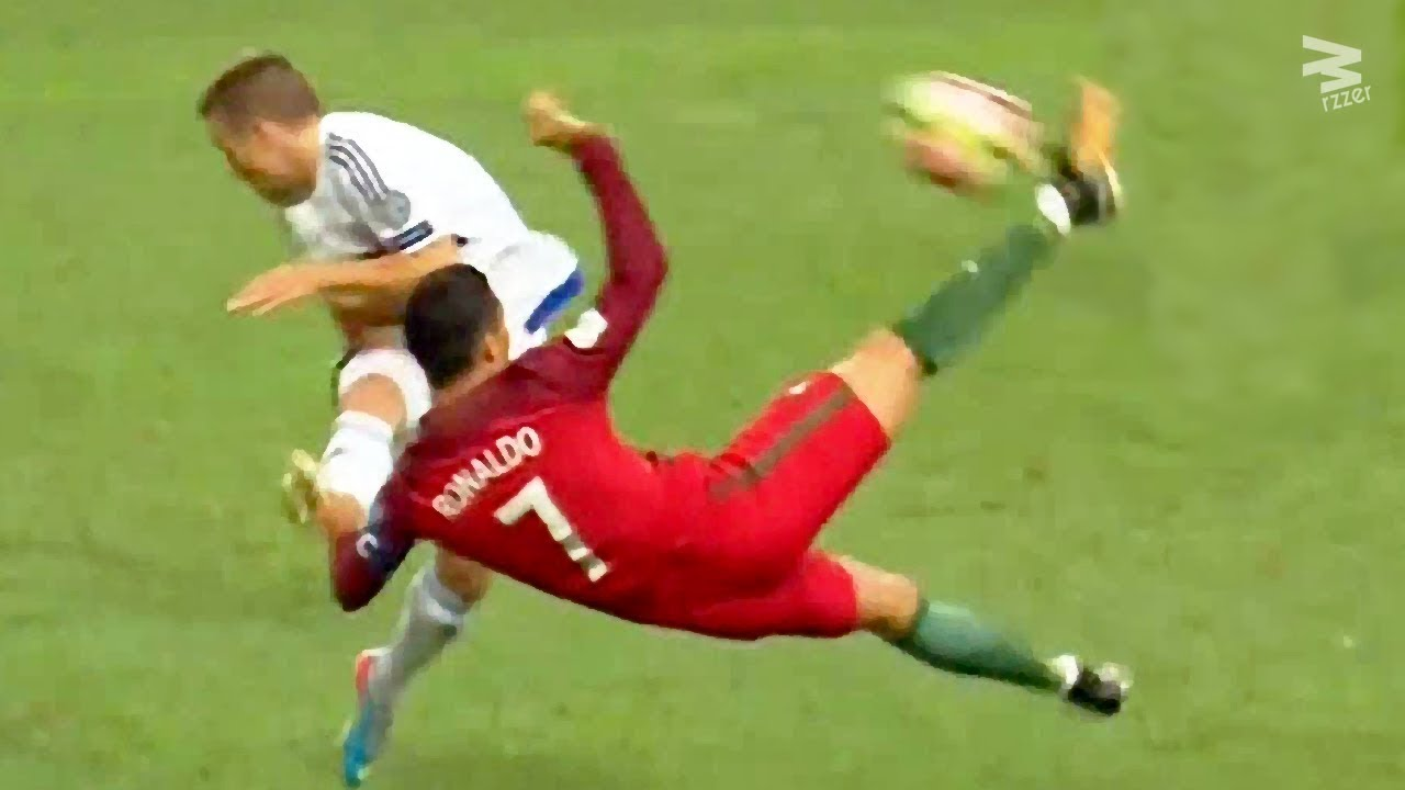 Cristiano Ronaldo: InCRedible Bicycle Kicks Show ...
