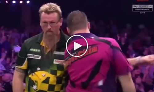 Daryl Gurney Bumps Shoulders With Simon Whitlock!