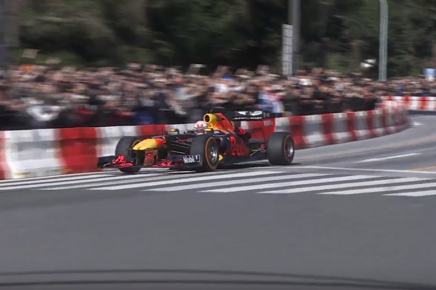 Livestream: Red Bull Show Run Tokyo With Verstappen And Gasly