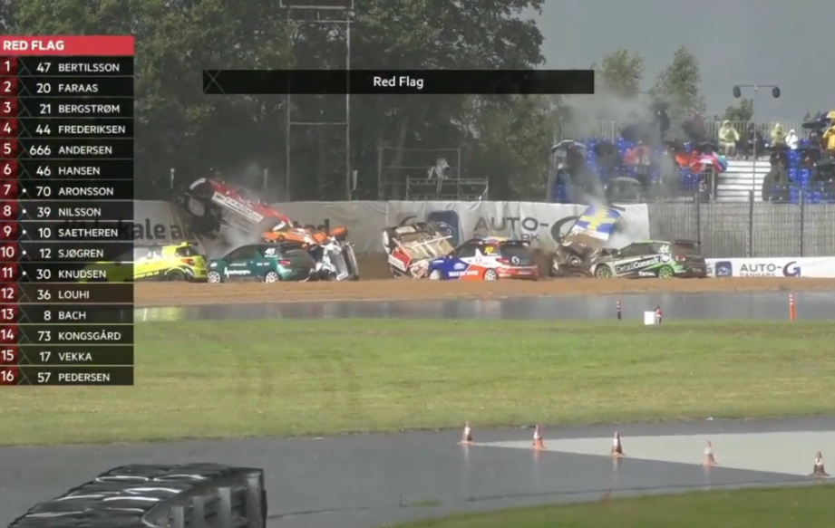 Massive 10 Cars Crash During Today's Citroën DS3 Cup Denmark