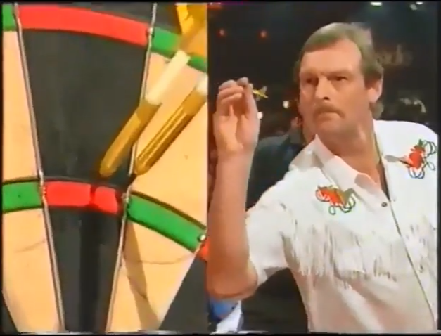 Watch Bob Anderson Hits 160.20 Average During Exhibition Night