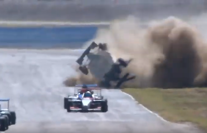 Scary Accident During Formula 2.0 Renault In Argentina