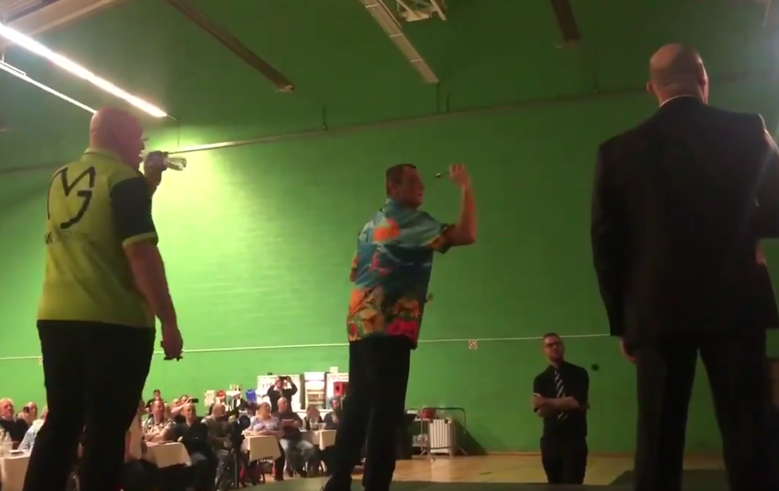 Wayne Mardle Beats Michael van Gerwen In Tournament Grantham 2019
