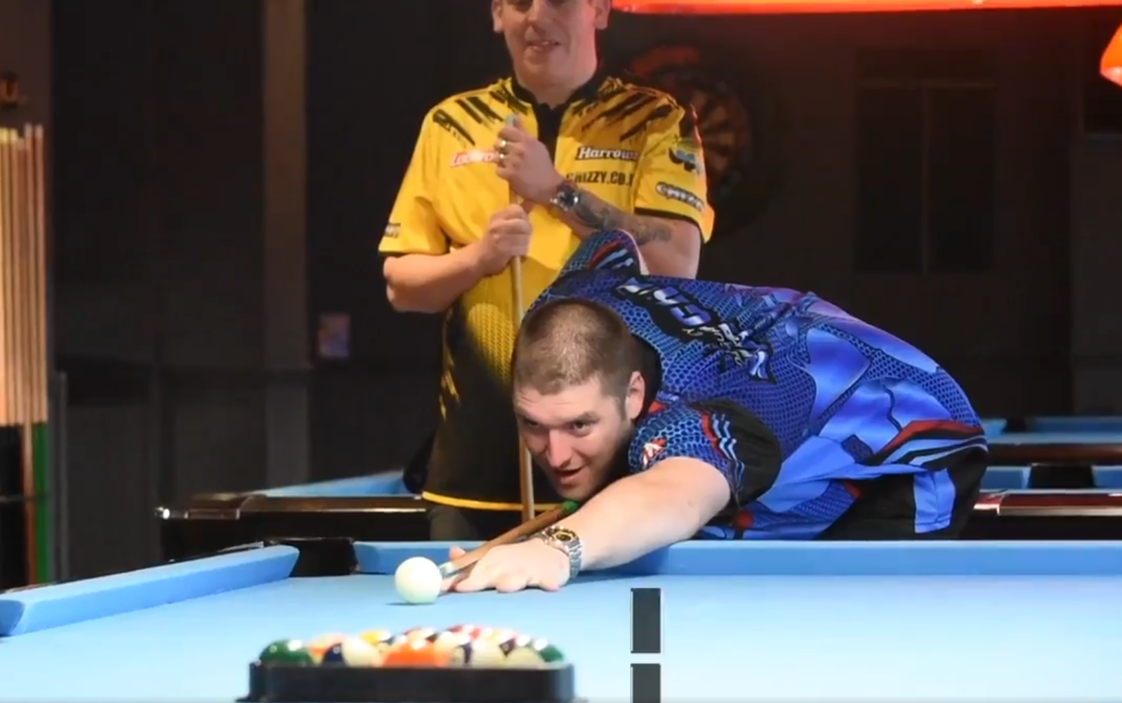 Dave Chisnall & Daryl Gurney Compete In Triangle Challenge