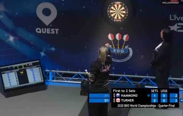 VIDEO: Corrine Hammond And Laura Turner Throw A 85 Darts Leg