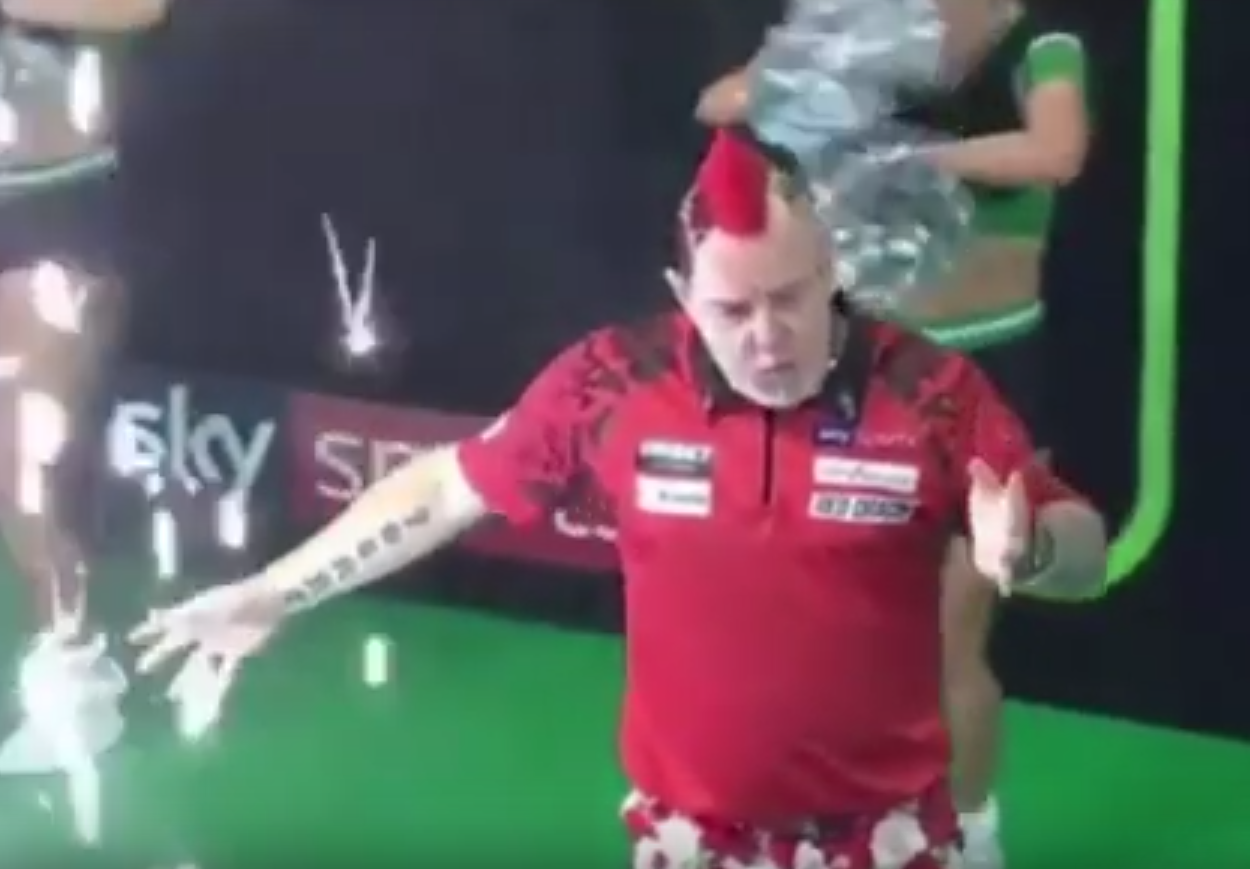 Peter Wright Injured Himself During Dance Moves On Stage