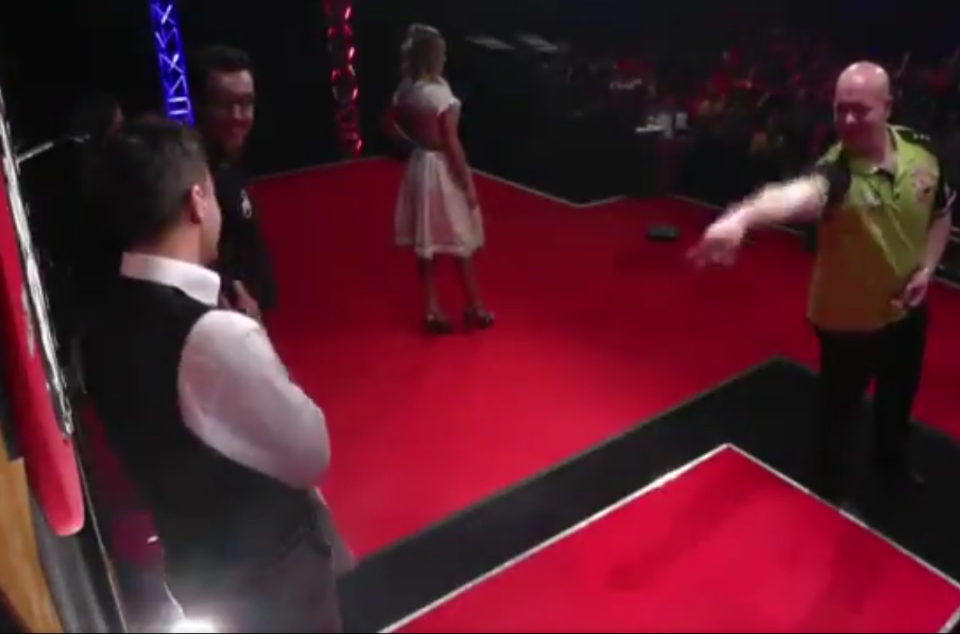 Michael van Gerwen Does 'Knife Throwing Act' With His Darts