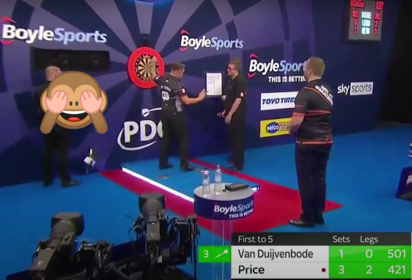 VIDEO: Referee Kirk Bevins' Funny No-Score Moment With Gerwyn Price