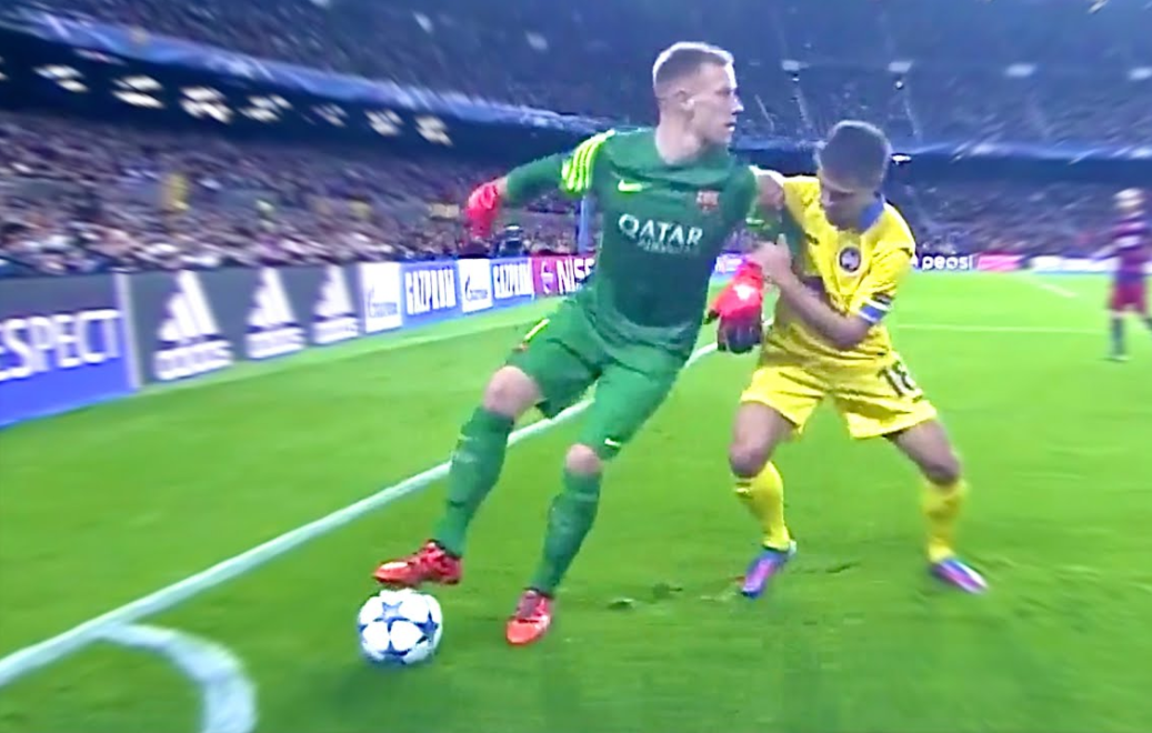 When Goalkeepers Get Bored