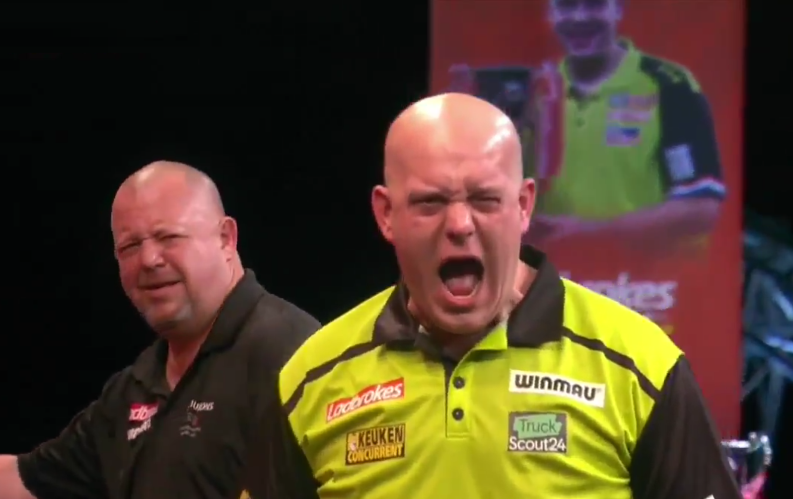 Video King Calls Van Gerwen A Twat And Is Unhappy With His Celebrations Sportvideos Tv