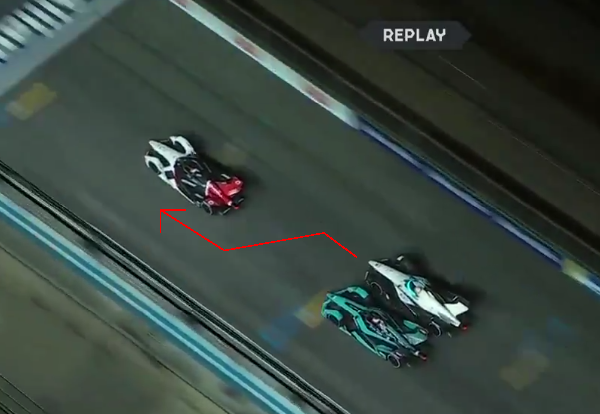 VIDEO: Crazy Double Right And Left Overtake During Diriyah EPrix