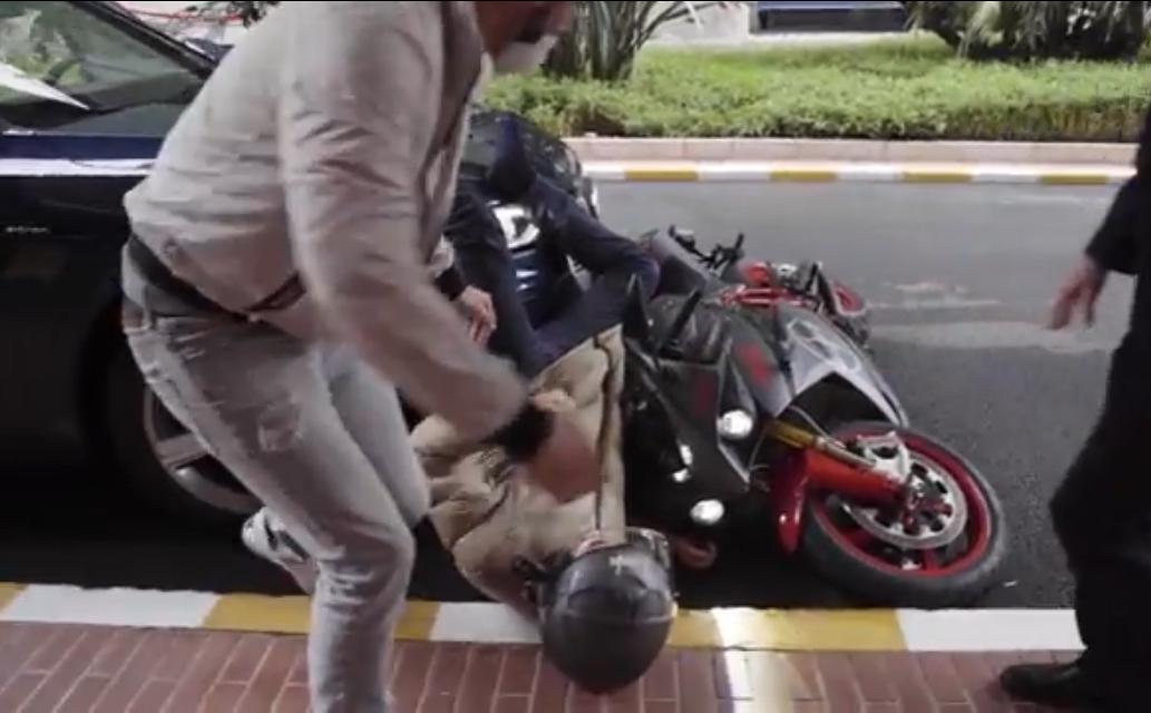 VIDEO: Nico Rosberg Crashed His Bike In Monaco