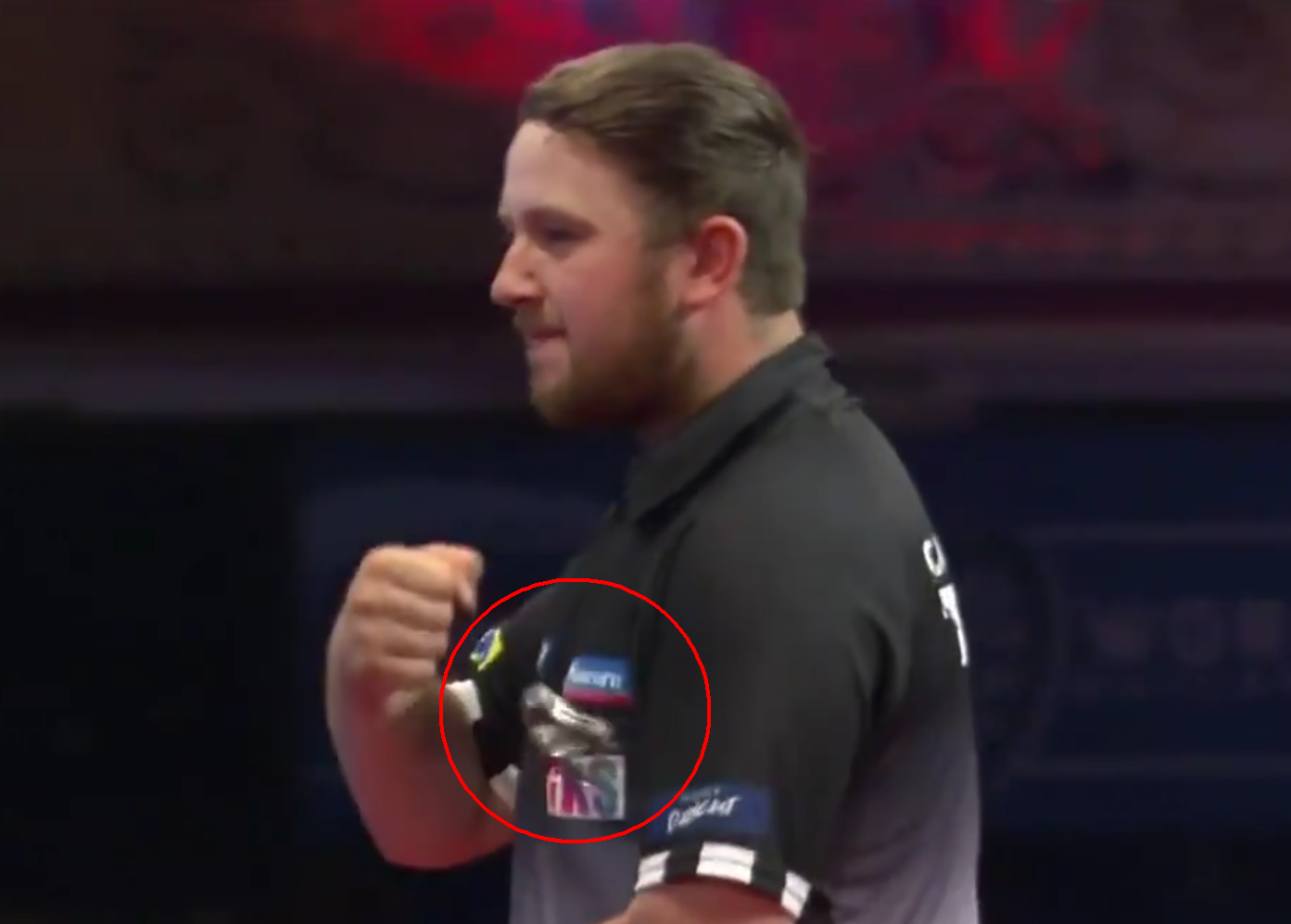VIDEO: Callan Rydz Lost His Watch While Cheering On Stage 😅
