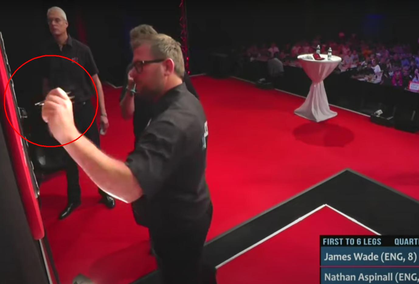 VIDEO: Pointing Incident James Wade At Gibraltar Darts Trophy 2021